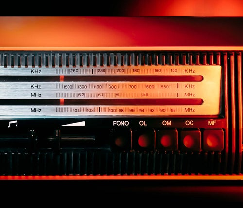 Image of CGE MILANO (1970) RADIO VINTAGE BLUETOOTH