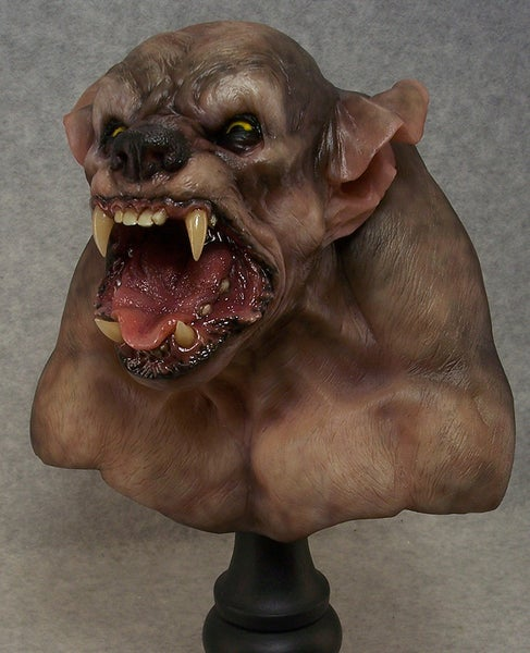 Image of Andy Bergholtz's Wolf Resin Bust (Fully Painted & Model Kit)