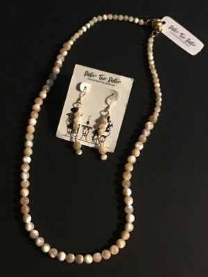 Image of Round Shell Necklace and Earring Set