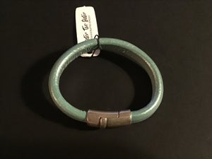Image of Leather bracelet with magnetic closure