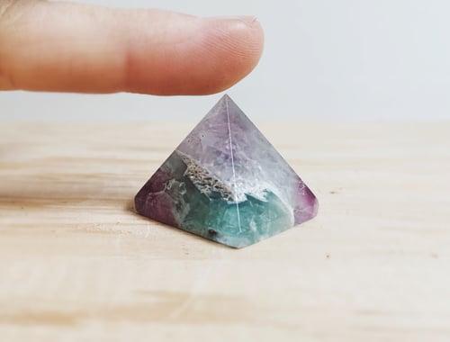 Image of VANQUISH BAD VIBES / Fluorite Mini Pyramid