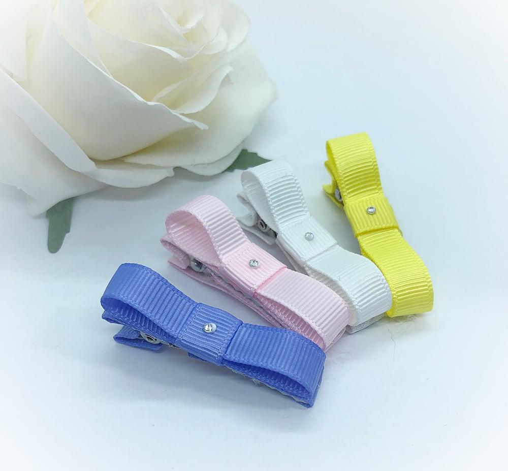 Image of Set of 4 ribbon fringe clips