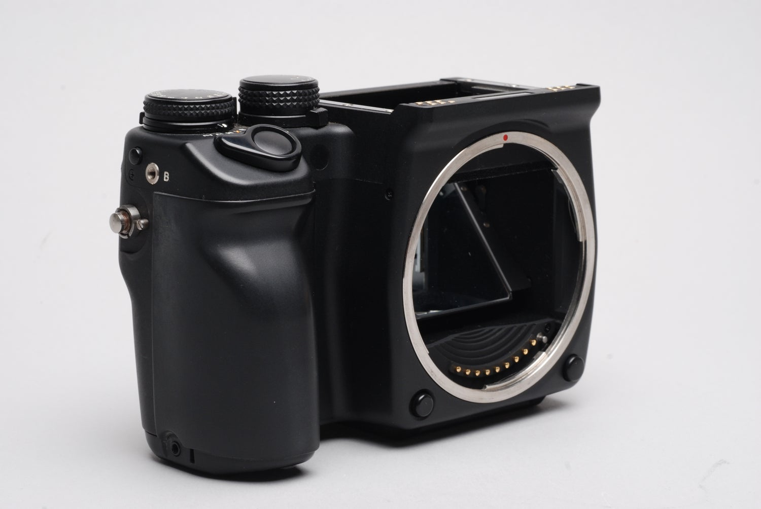 Image of Contax 645 body