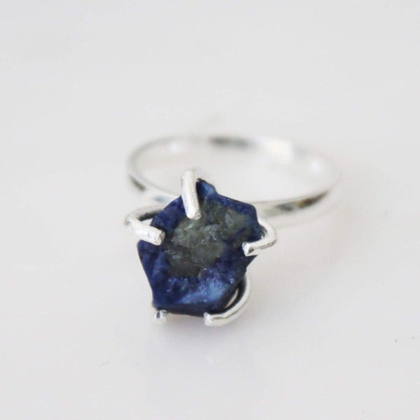 Image of Natural Rough Blue Sapphire 5 claws ring