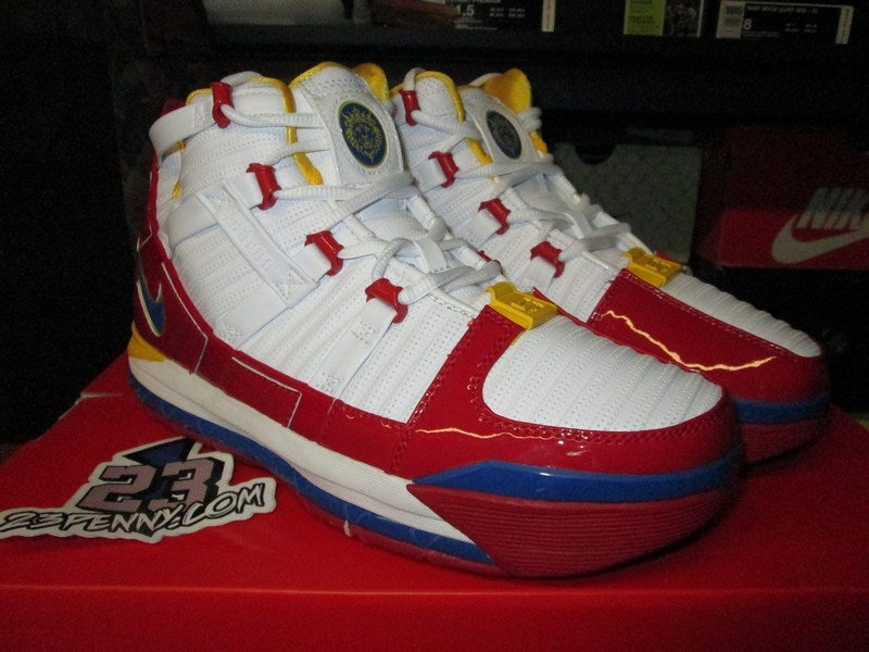 "Image of Zoom LeBron III (3) QS ""Superman"""