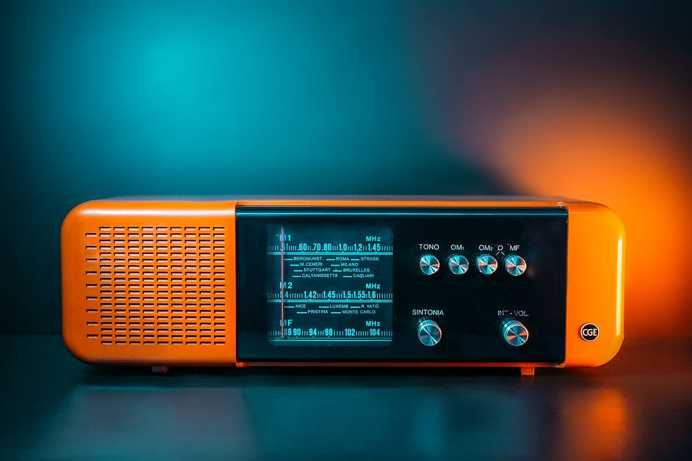 Image of CGE OM ORANGE (1970) RADIO VINTAGE BLUETOOTH