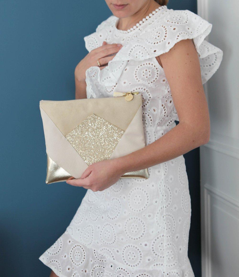 Image of Pochette *NINA* ivoire et champagne.