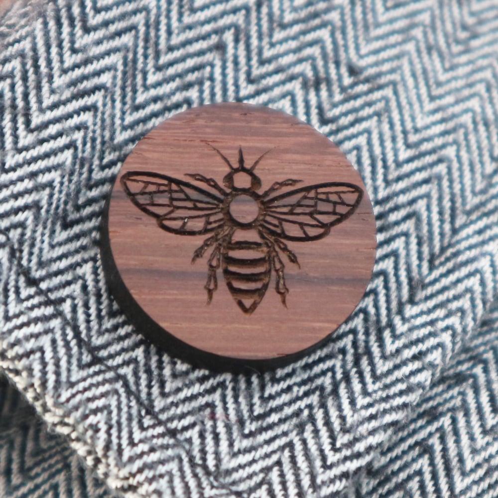 Image of Bee brooch