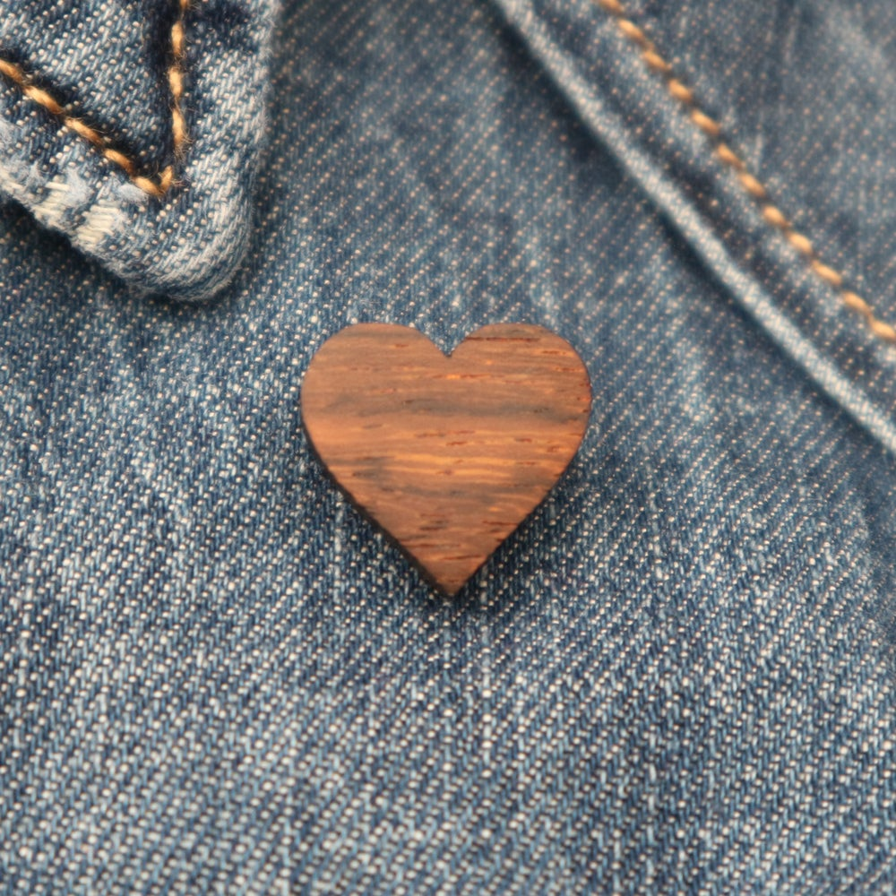 Image of Tiny Heart Brooch