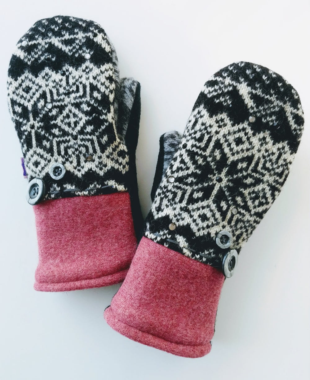 Image of Edit 2019 Snowflake Vintage Button & Bling Mittens