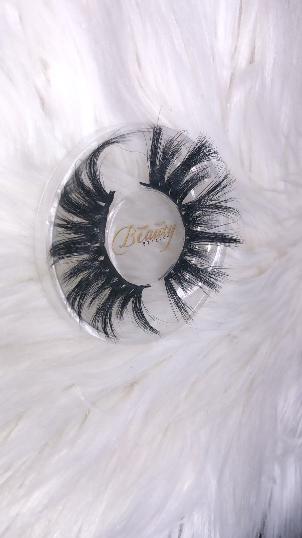 "Image of ""London"" Siberian Mink Lashes"