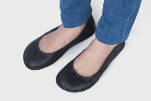 Image of Veg-Tanned - Eko in Black Ballet flats