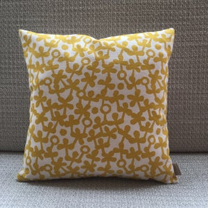 Image of Clover cushion
