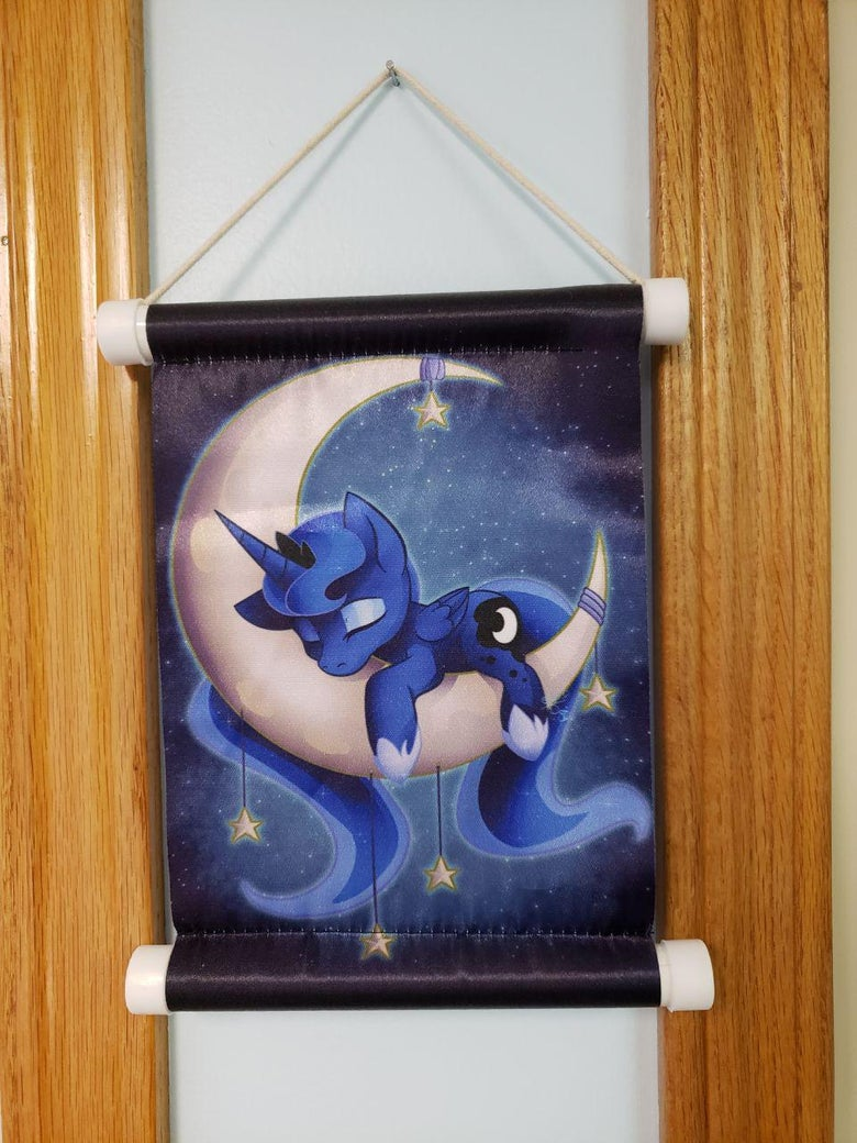 Image of Sleepy Princess Miniture Wall scroll