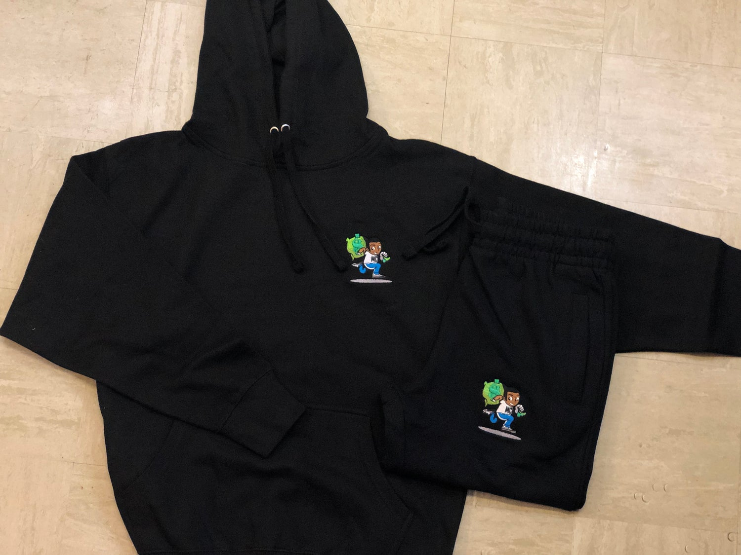 Image of LOGO BLACK JOGGER SUIT
