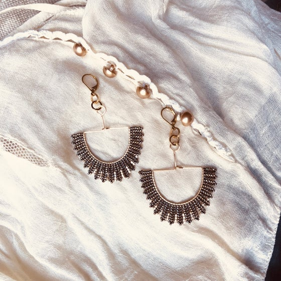 Image of NEWPORT 1922 - liquid iron & antique cream silk demi drop earrings