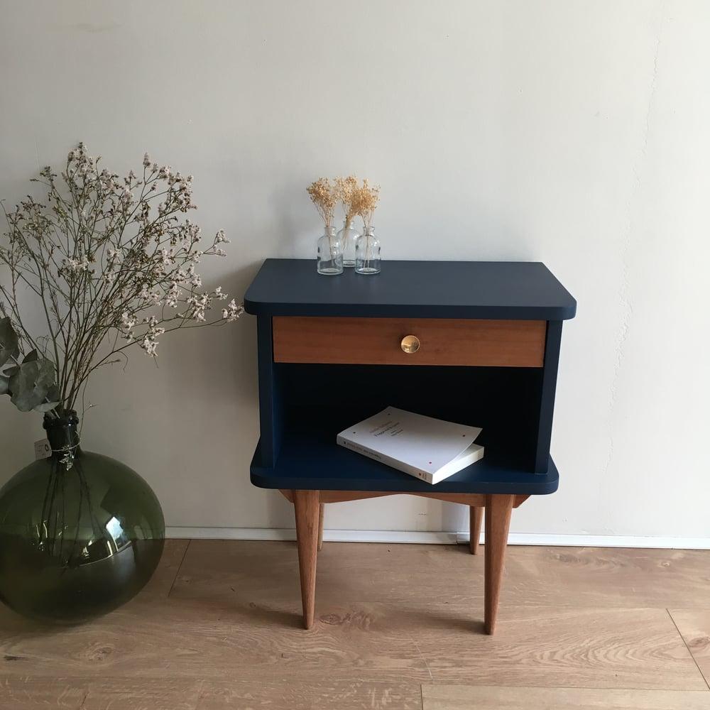 Image of Filéas, chevet vintage aux pieds compas