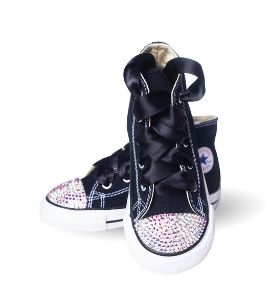 4d03f08098e7 Converse Junkie s Children s Black Converse with Black Laces