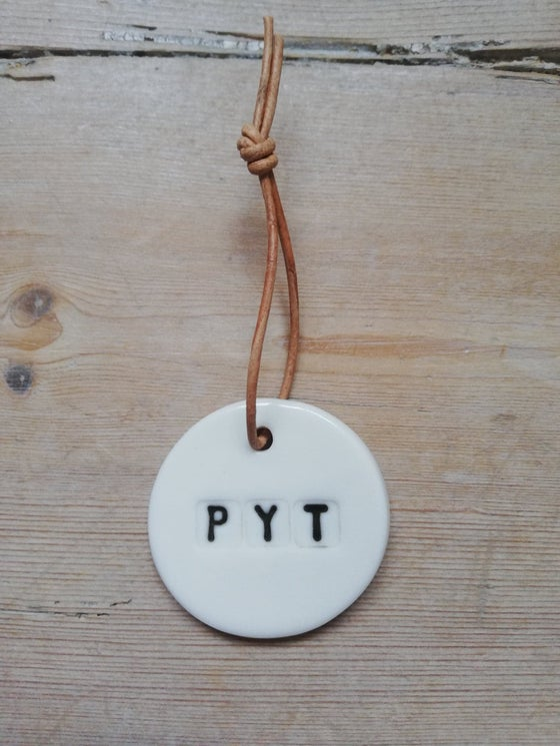Image of Pyt, porcelænsophæng