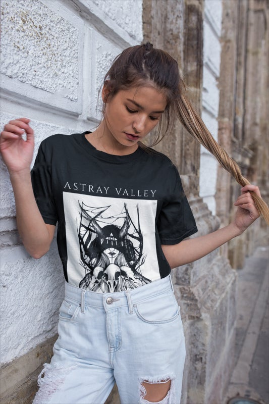 """Image of """"Witch of Lun"""" T-Shirt"""