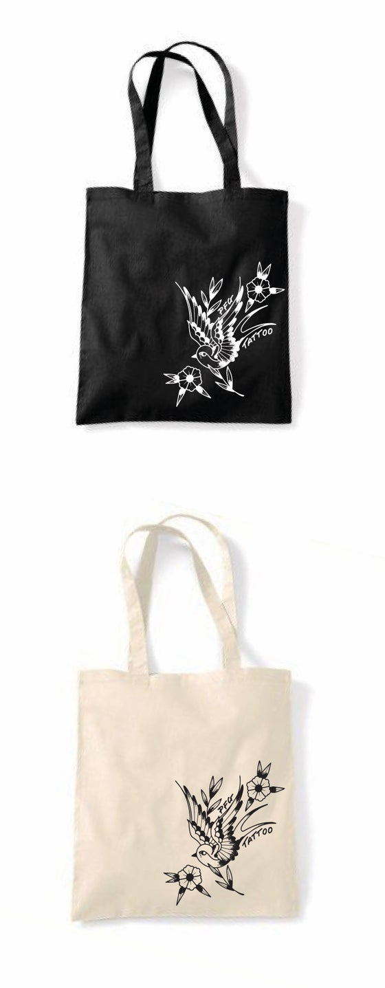 Image of Reusable shopping tote bags