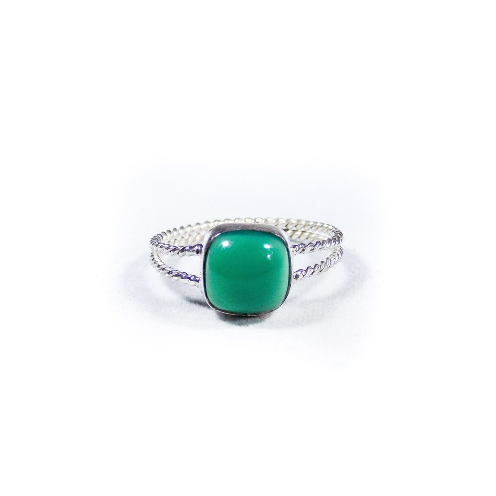 Image of Twisted Band Green Onyx Ring- silver