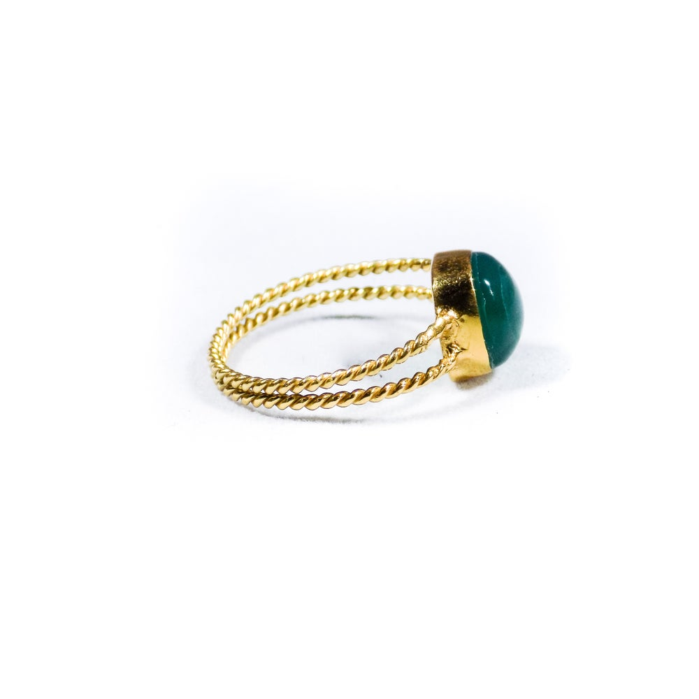 Image of Twisted Band Green Onyx Ring- gold