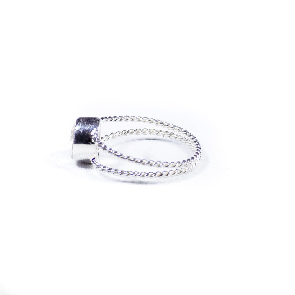 Image of Twisted Band Natural Rose Quartz Ring- silver