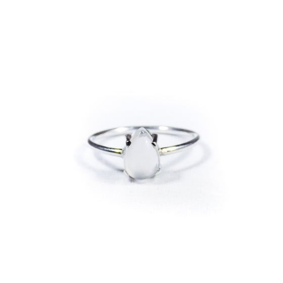 Image of Single Stone Claw Natural White Moonstone Ring- silver