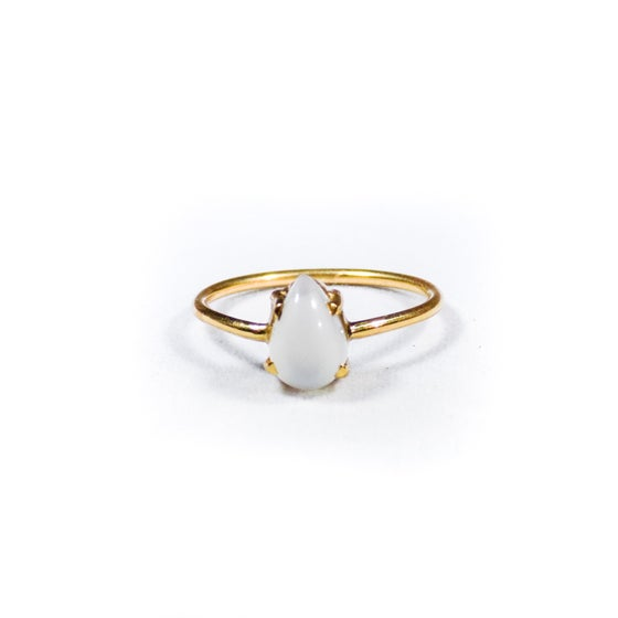 Image of Single Stone Claw Natural White Moonstone Ring- gold