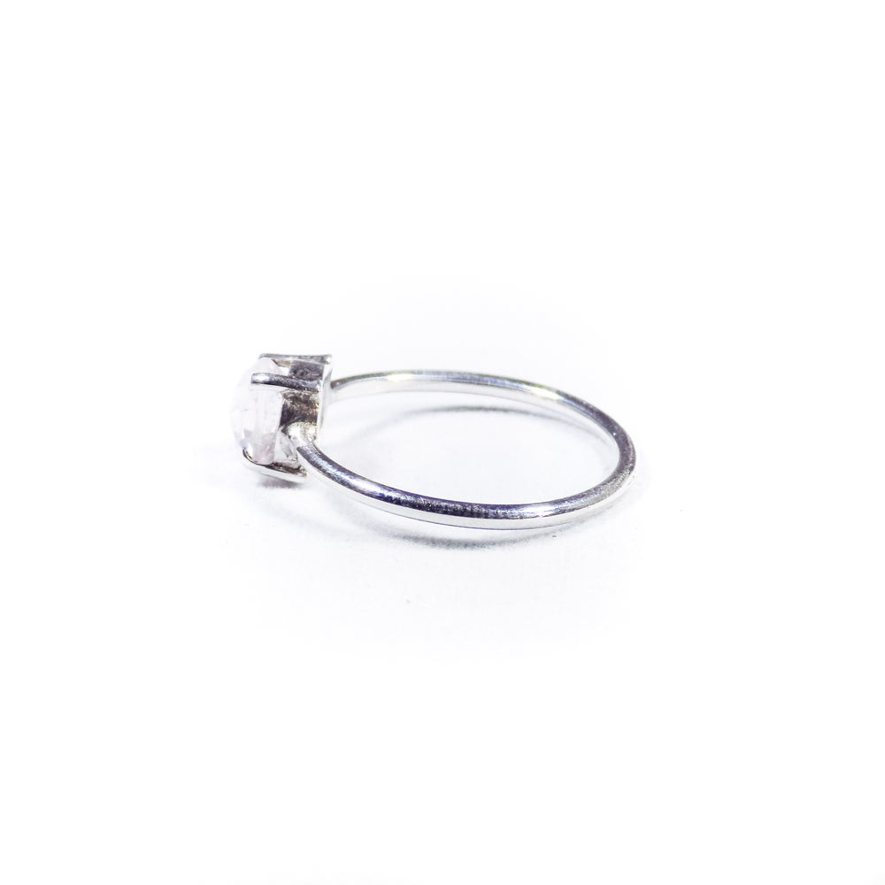 Image of Single Stone Claw Natural Rose Quartz Ring- silver