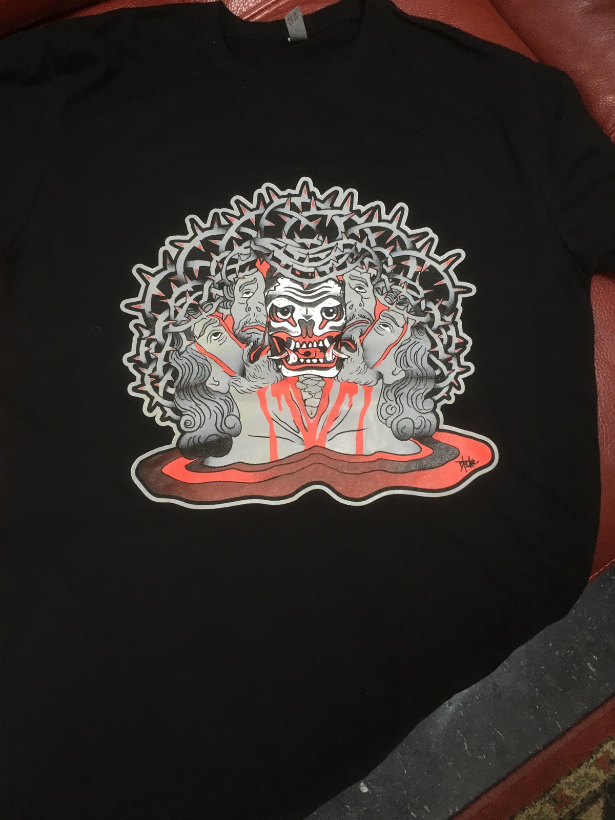 Image of Jesus Head T Black & Red