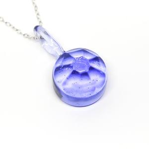 Image of Flower Cut Pendant in Purple