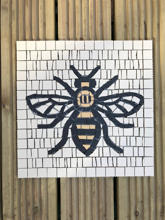 Image of WOKER BEE FLOOR / WALL TILE