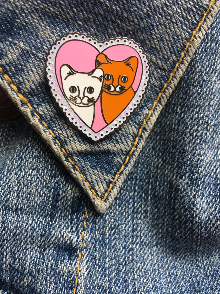 Image of **NEW** Catlove Pin