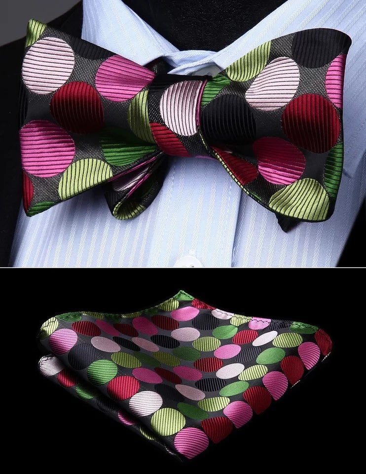 Image of ULTIMATE DOT BOWTIE