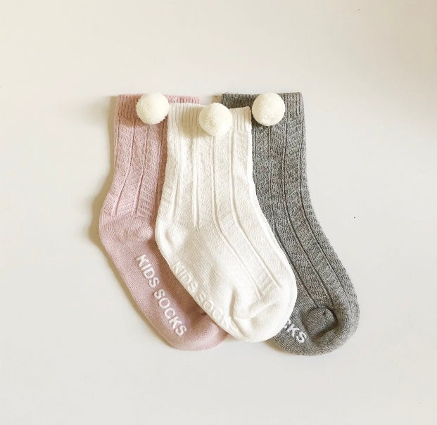 Image of Pompom ankle socks