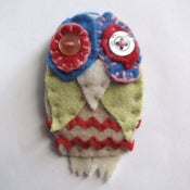 Image of owl brooch craft kit