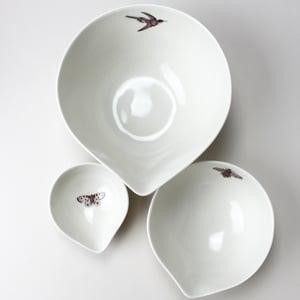 Image of nesting bowls set of three garden friends, ivory