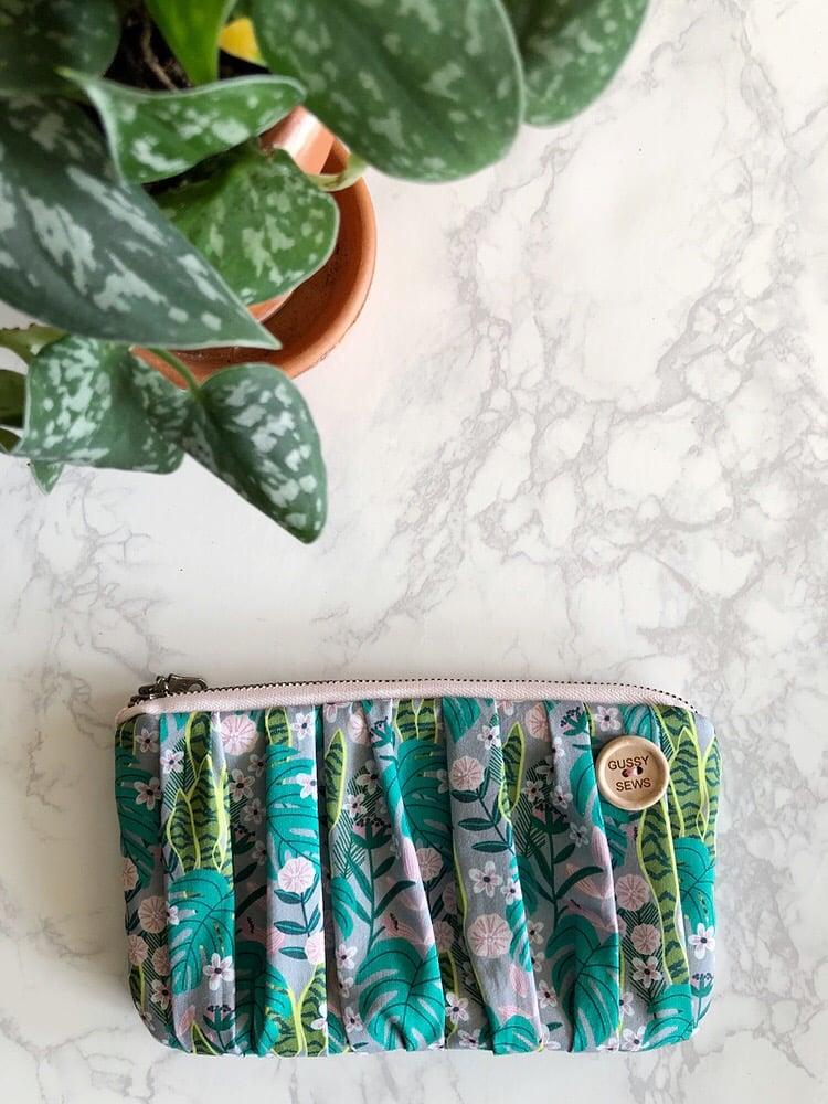 Image of Monstera Jungle medium zip pouch