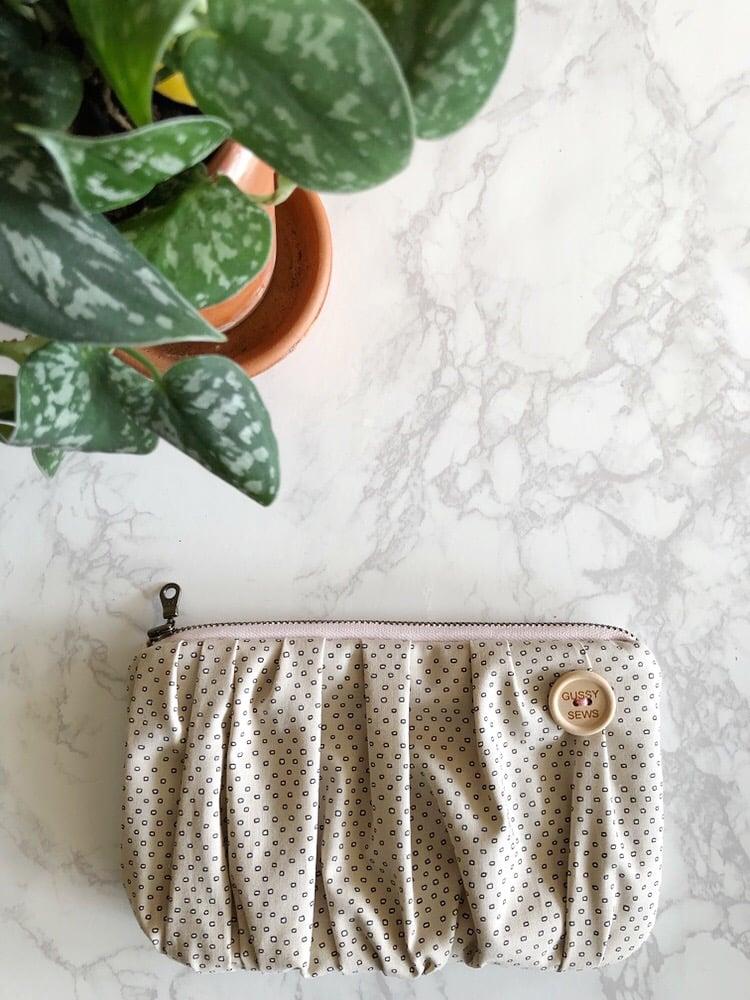 Image of Grain Basket medium zip pouch