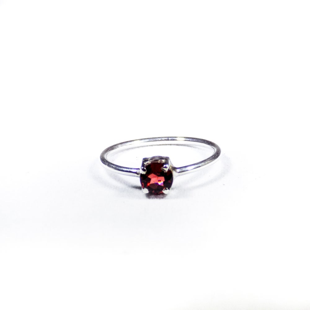Image of Single Stone Claw Garnet Ring- silver