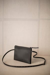 Image of Black leather shoulder clutch by Nejicommu