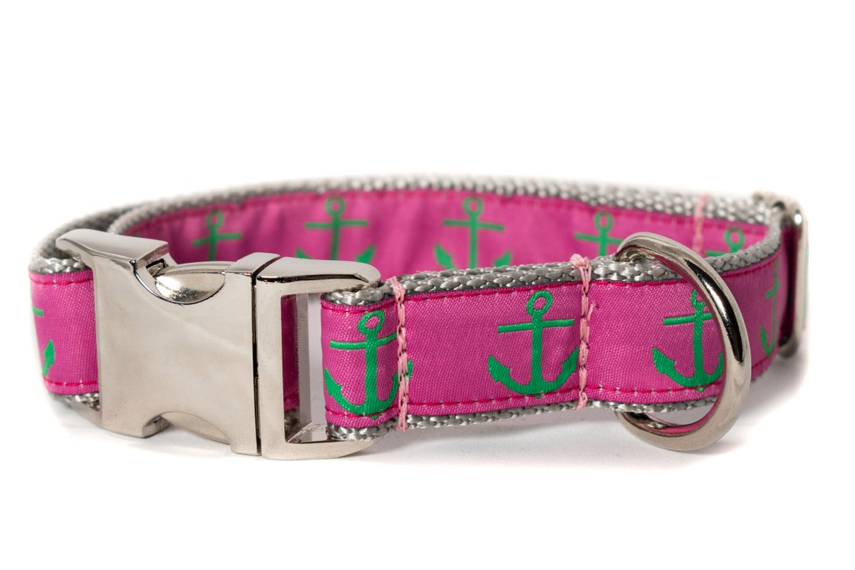 Green Anchor on Hot Pink