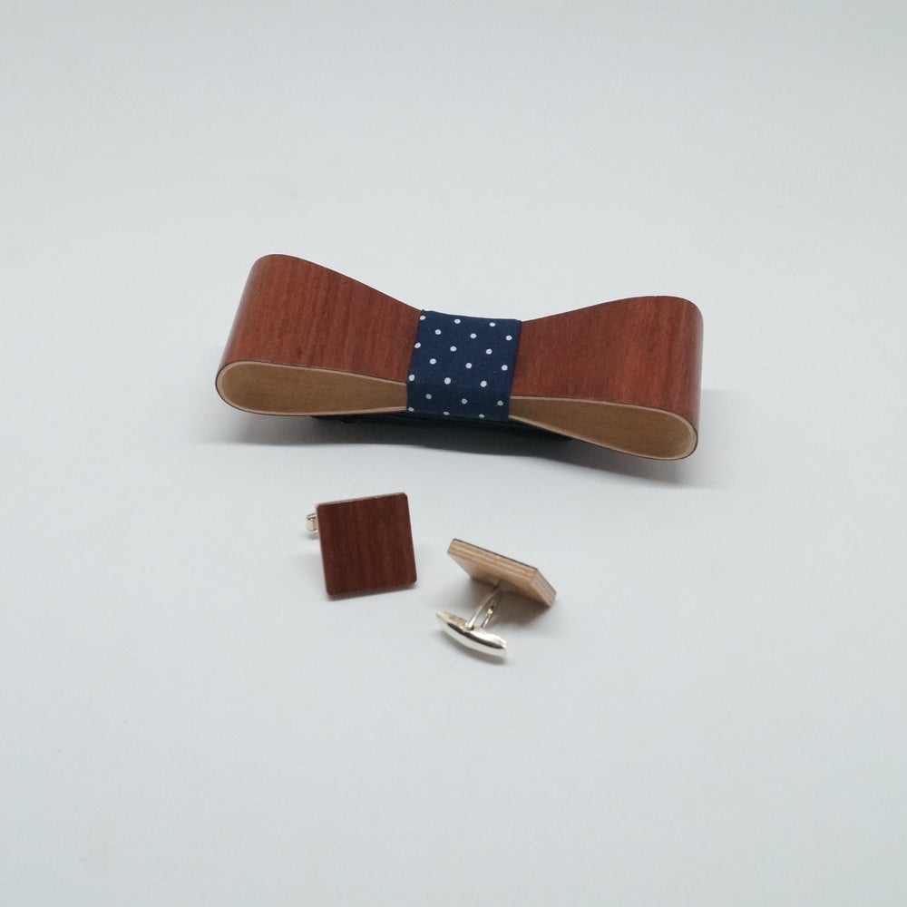 Image of set Wooden Bow Tie & Cufflinks - Eucalyptus