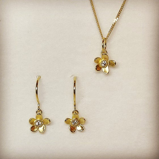 Beeld van Forget-me-not earrings and pendant