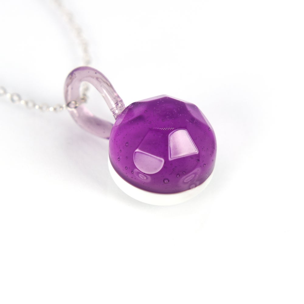 Image of Flower Cut Pendant in Parallax