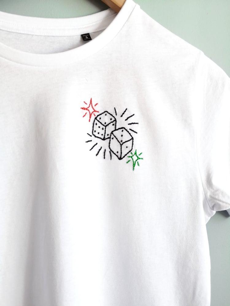"""Image of Tshirt brodé à la main """"Chance"""" en coton bio"""