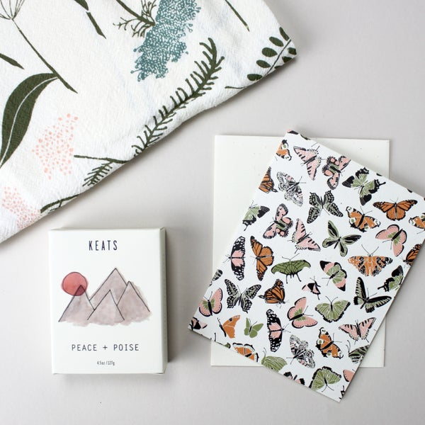Image of meadow gift set: tea towel, soap, card