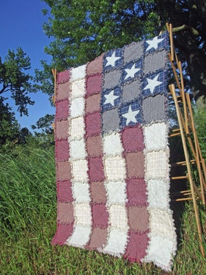 """Image of Handmade American Flag Appliqué Patchwork Rag Quilt - """"Betsy Ross"""""""